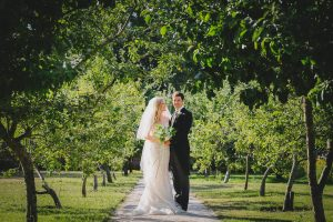 newlywed portrait in the walled garden at Fulham Palace