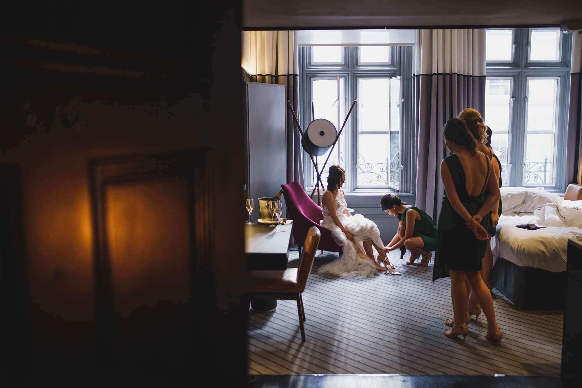 london andaz wedding photographer la 017 - Andaz Liverpool Street Wedding Photographer | Lauren & Alex