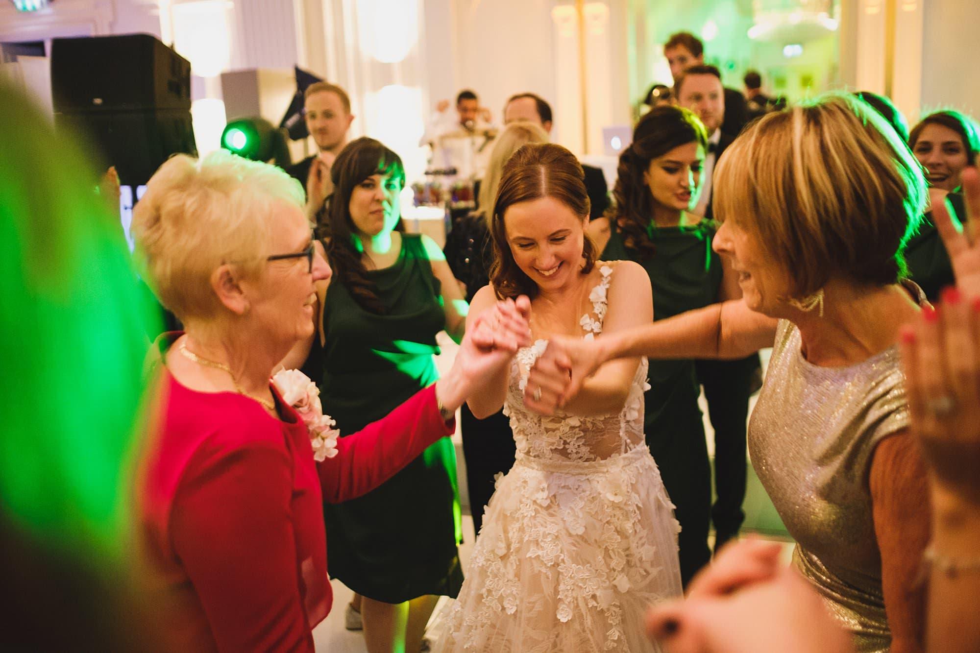 london andaz wedding photographer la 059 - Andaz Liverpool Street Wedding Photographer | Lauren & Alex