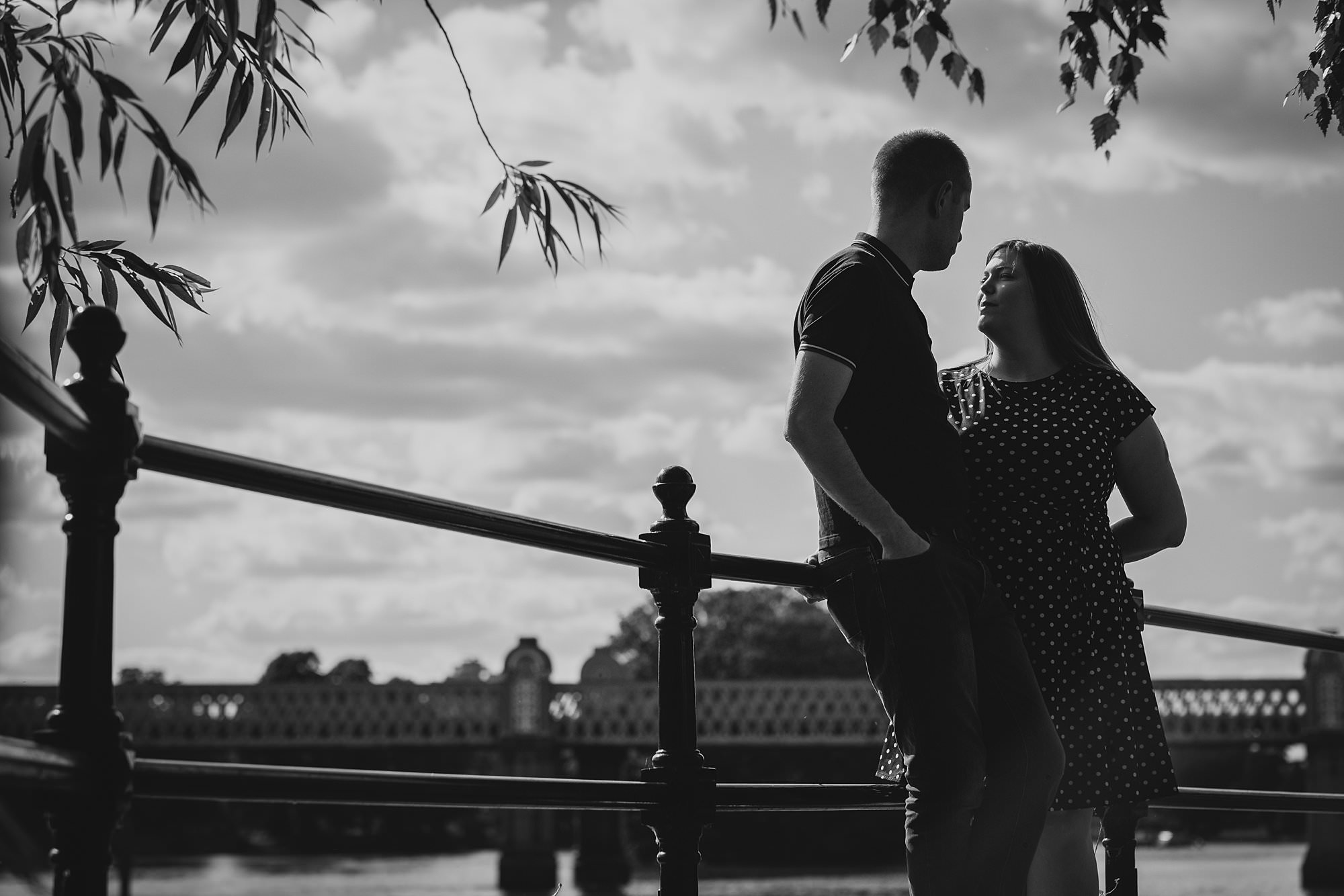 london engagement photographer strand on the green hj 005 - Hannah + Joe | Strand on the Green Engagement Photography