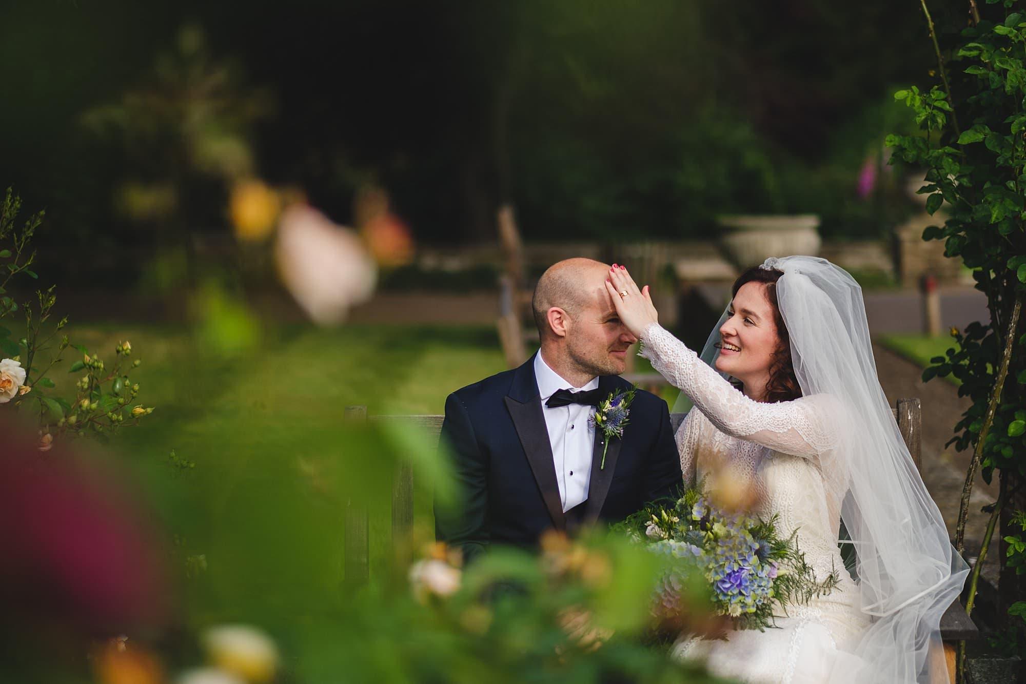 hurlingham club wedding portraits in the garden