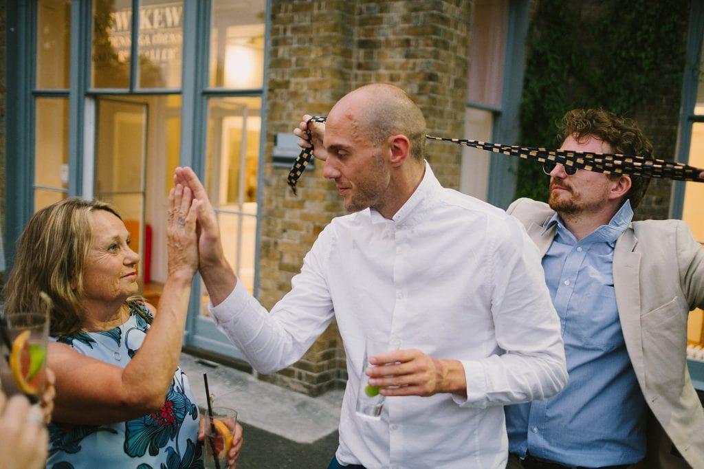 kew gardens wedding photographer hj 73 1024x682 - Hannah + Joe   Kew Gardens Wedding Photography