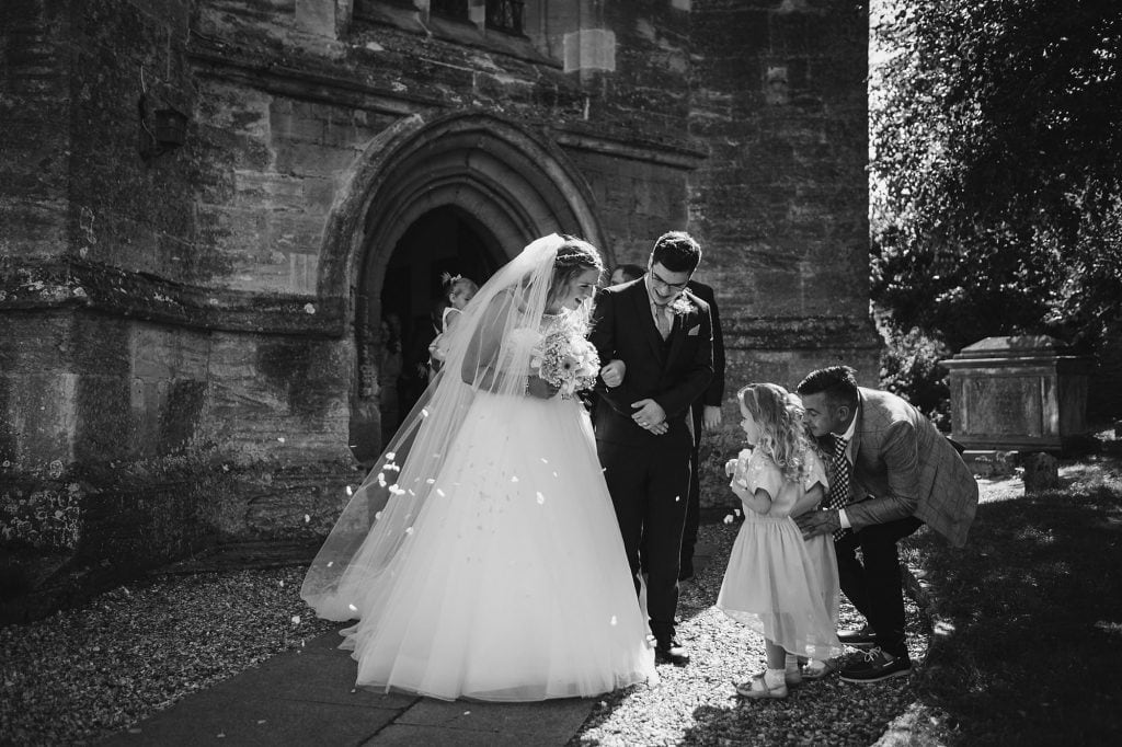 a lechlade wedding at st lawrence church
